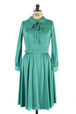 Green Carnegie of London Vintage dress with Peter Pan Collar, c.1960s