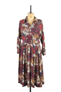 Print tea dress, covered in autumn flowers
