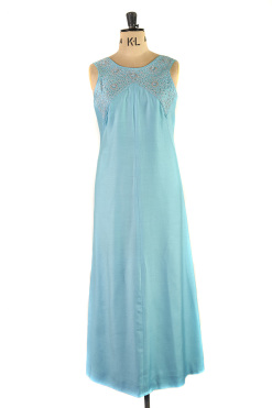 An elegant evening gown by Alice Edwards, Size 16