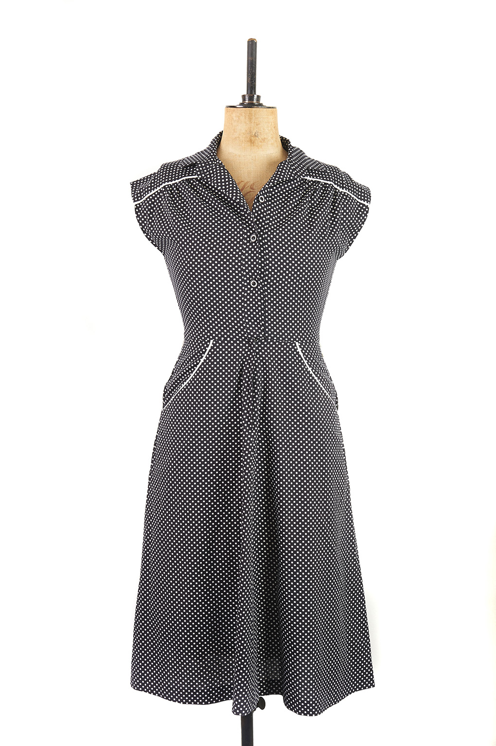 Black and white polka dot cotton vintage dress with fitted waist by Horrockses Fashions c. 1960